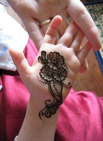Kids Eid Mehndi Design
