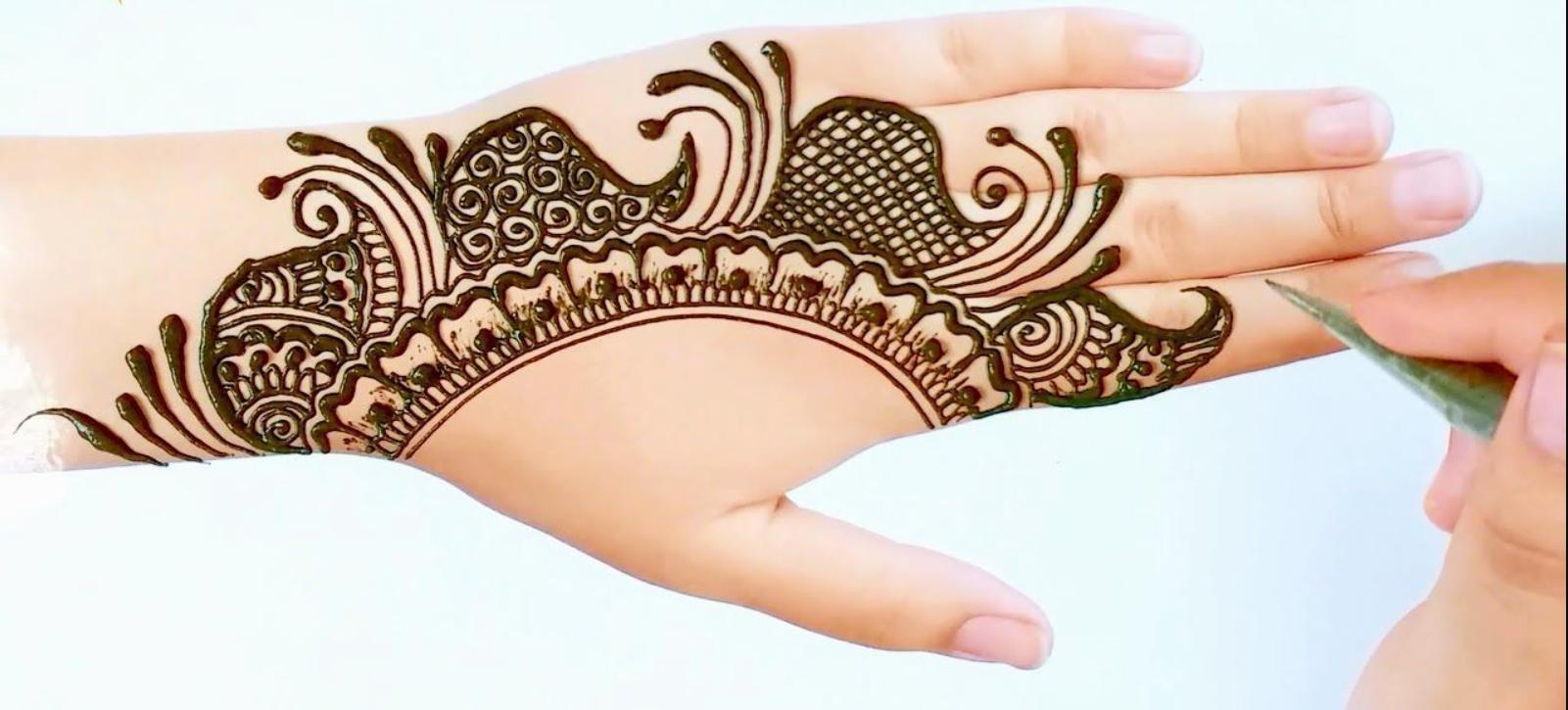 Cool Mehndi Designs For Holi