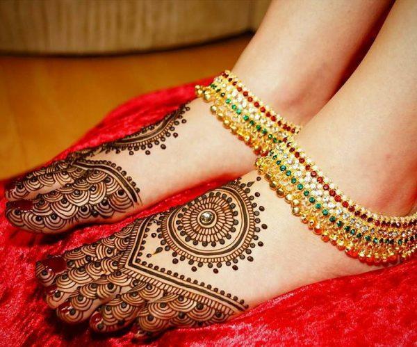 Feet mehndi design for kurwa chauth