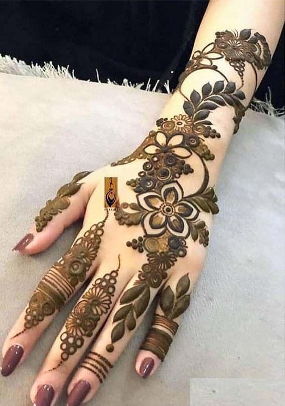 Full hand kurwa chauth mehndi