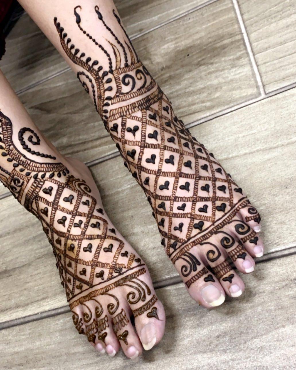 Henna Anklet Foot design