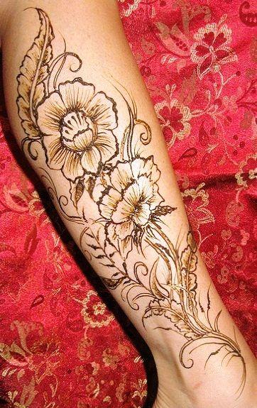 Henna Flowy Floral Design For legs