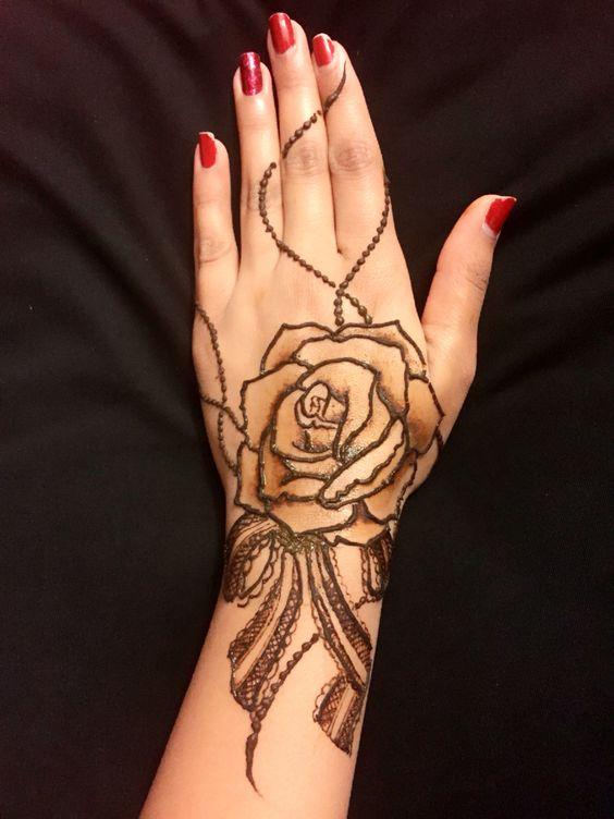 Henna Simple Love Rose design