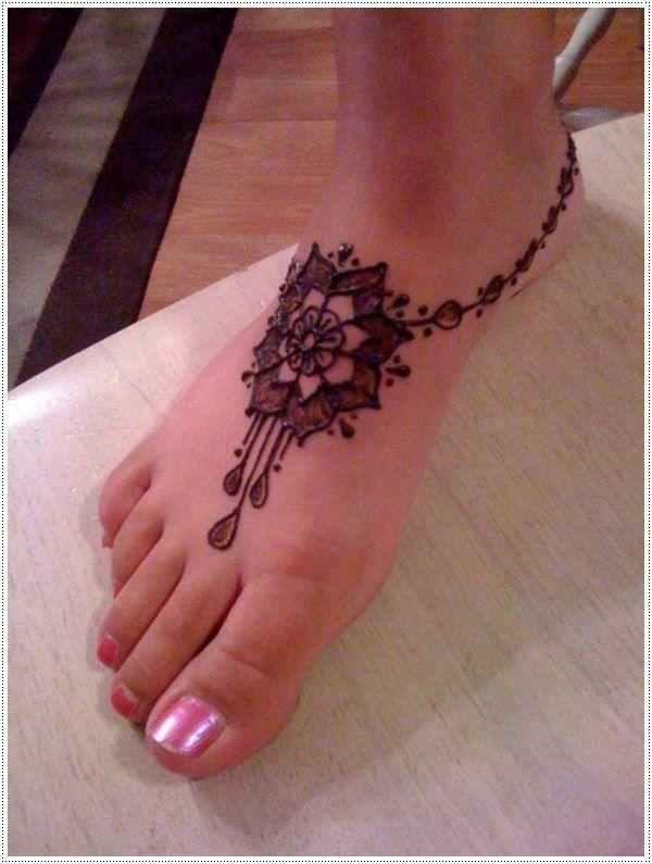Henna tatto Ornate Ankle Piece Flower