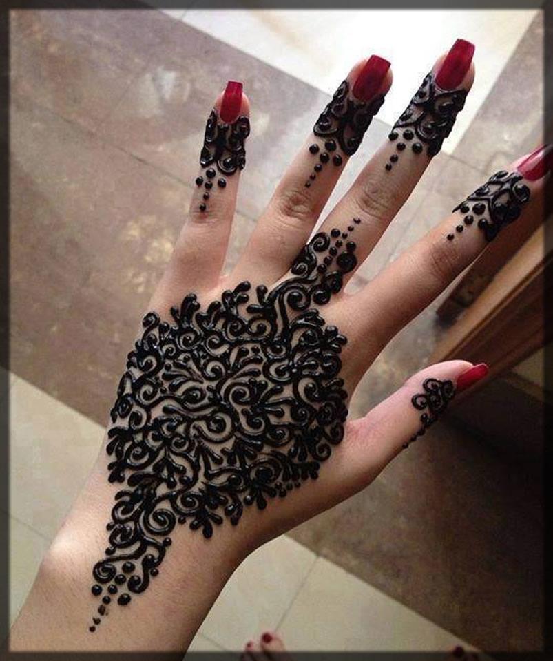 Henna tattoo Dark Black Hand Piece
