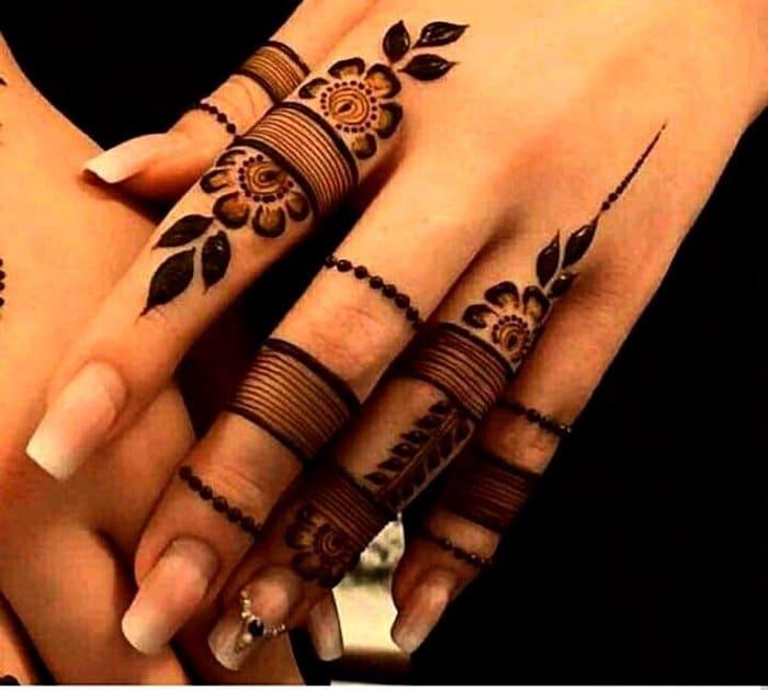 Holi simple mehndi design