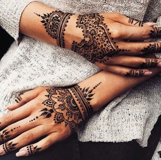 Latest Latest henna patterned and lacey wrist cuff design