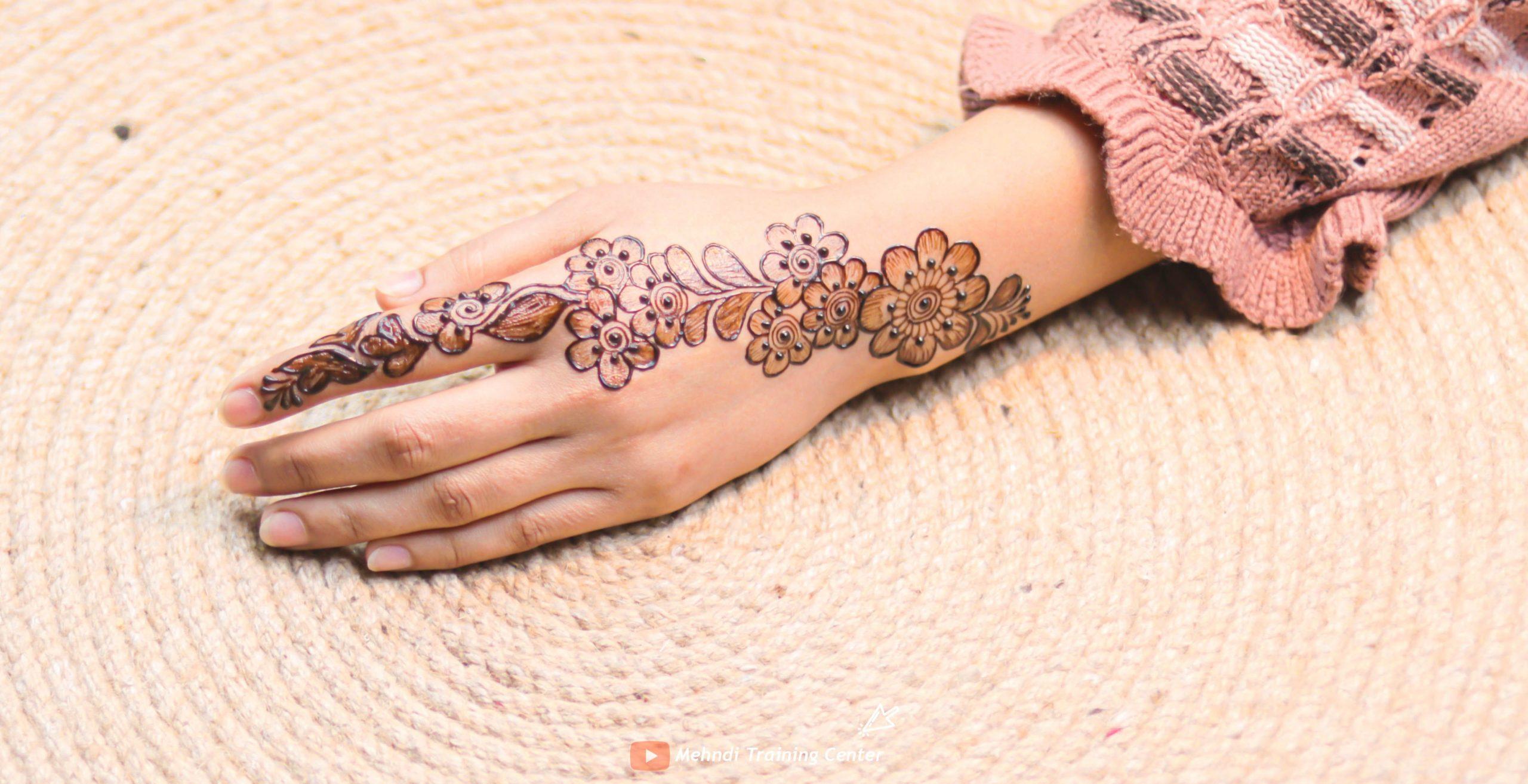 latest simple mehndi design for Holi
