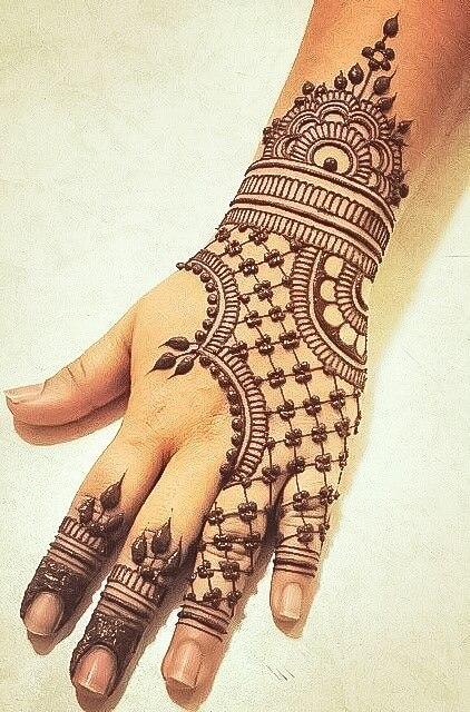 simple mehndi design for Holi