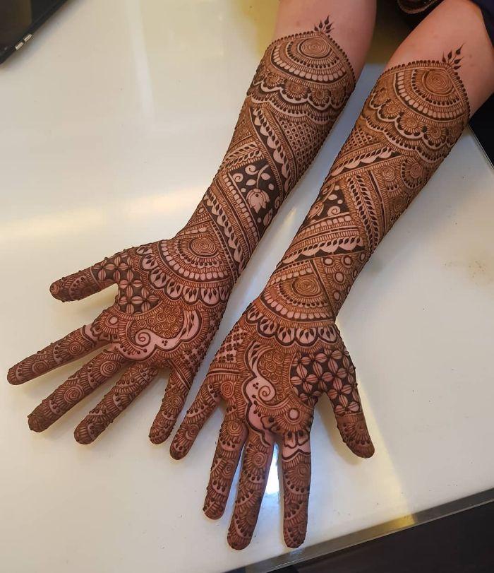 Back Hand Bridal Mehndi Design