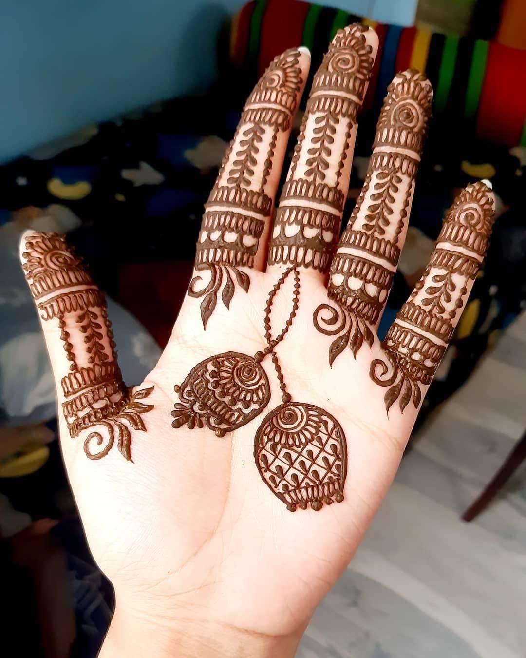 Backside Finger mehndi design