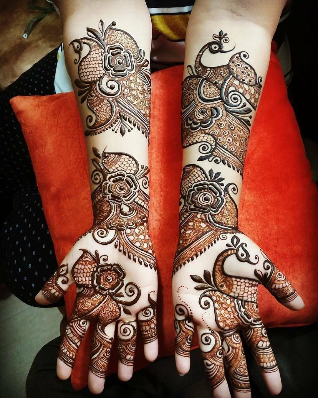 Beautiful Rajwadi mehndi design