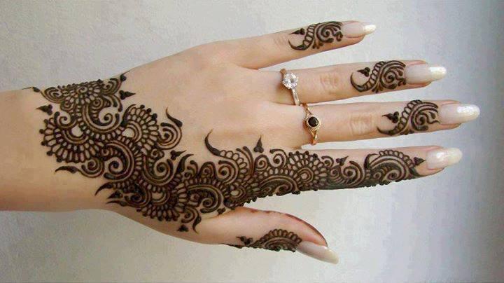 Beautiful latest Pakistani Mehndi Design For hand