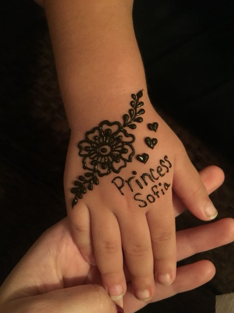 Beautiful mehndi designs for baby girl