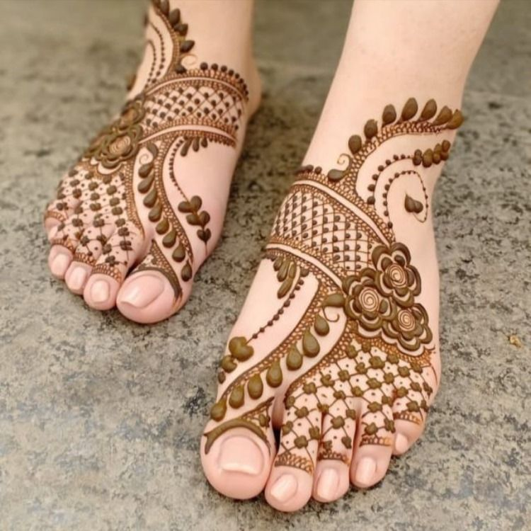 Cool Indian Mehndi Designs For Foot