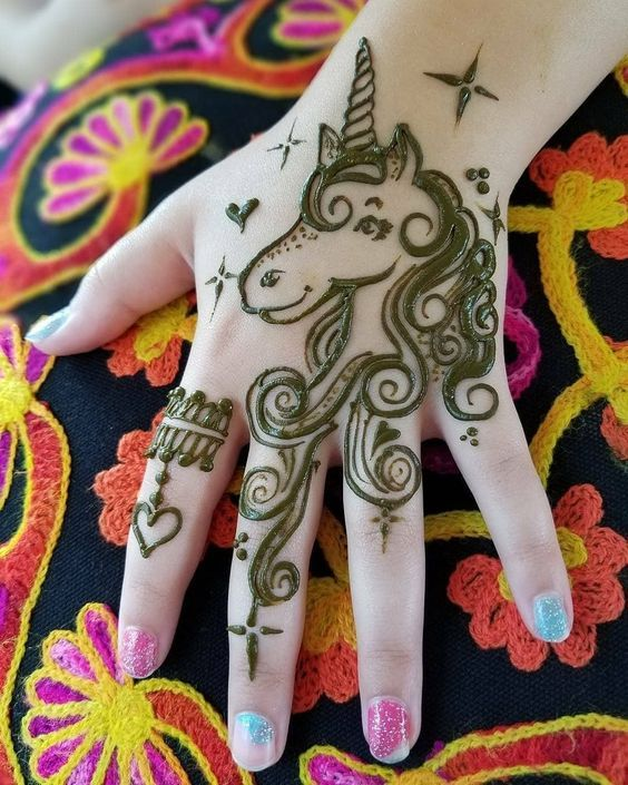 Cute New Mehndi Designs For kids Front Hand