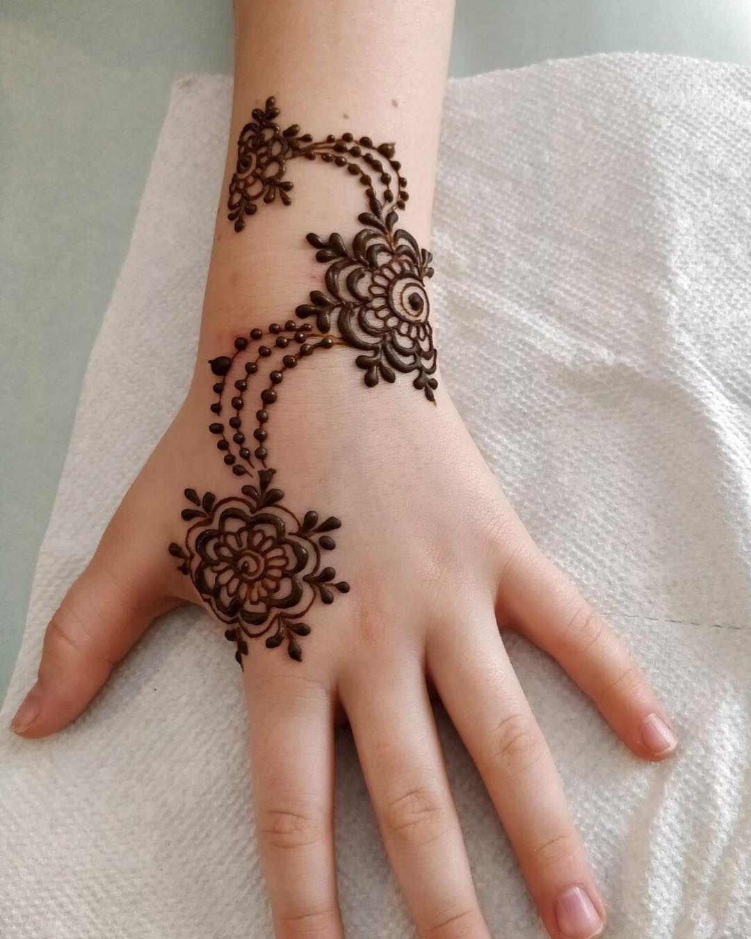 Easy Mehndi Design For Kids
