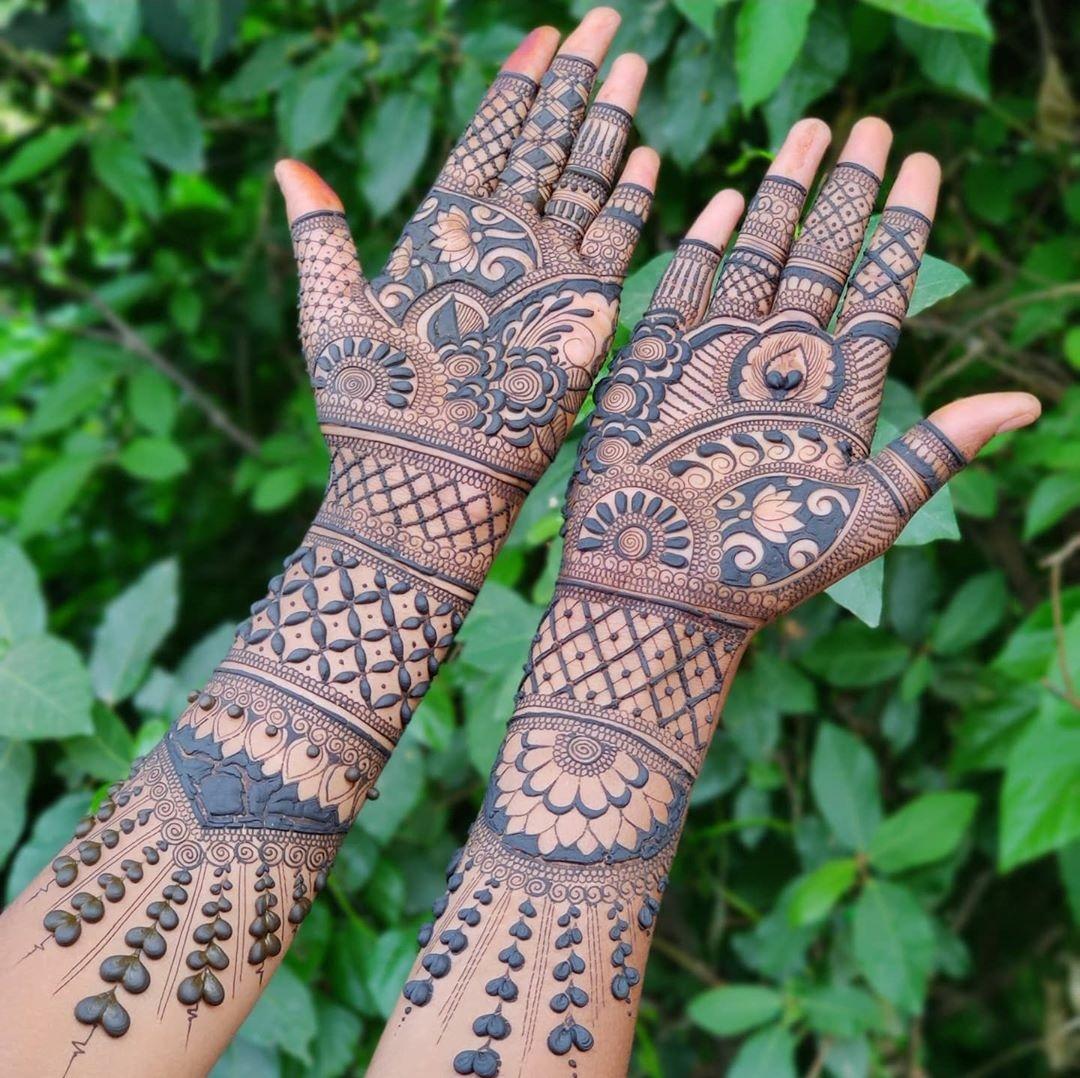 Elegant rajasthani bridal mehndi design