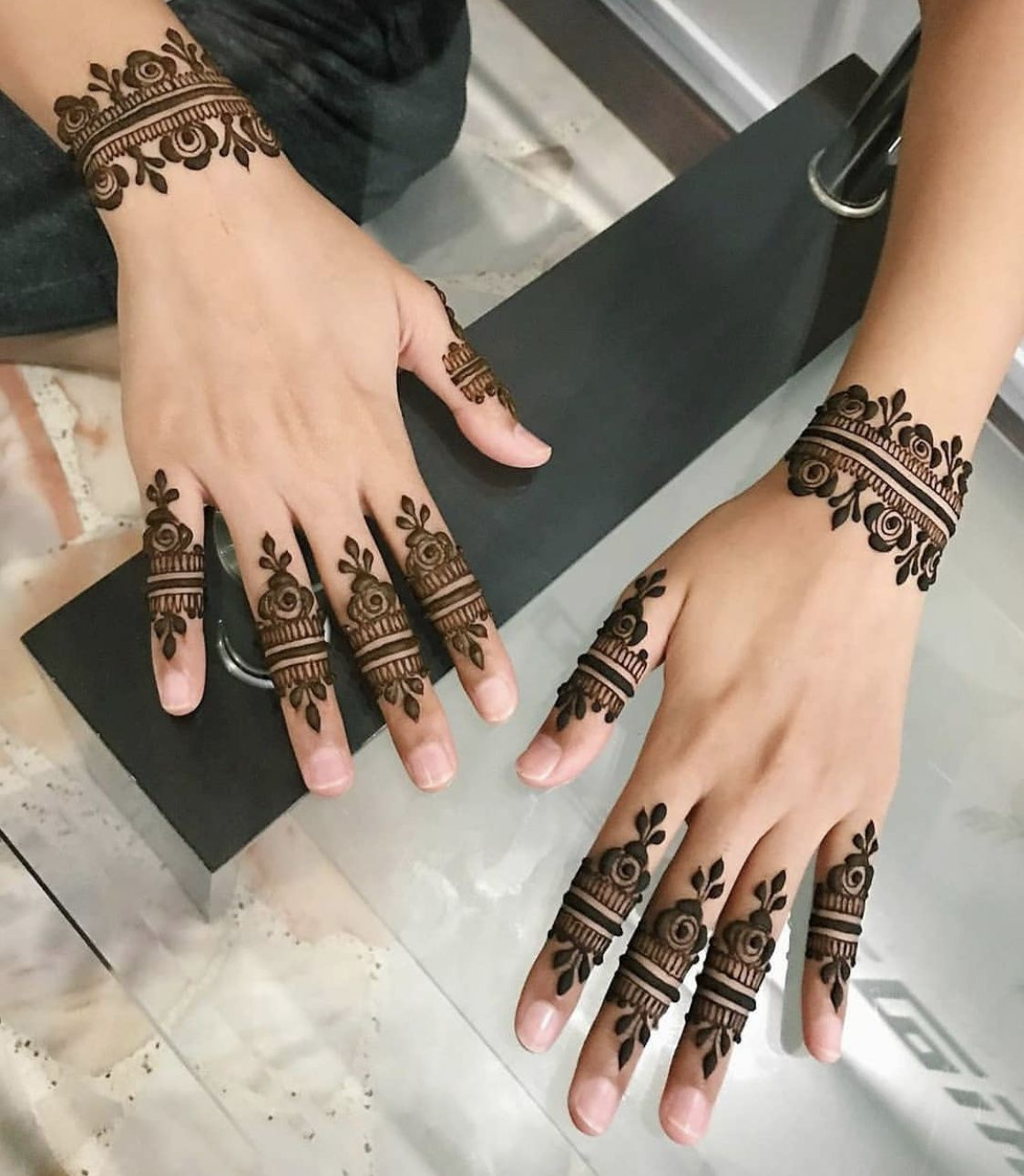 Finger Mehndi Design latest style