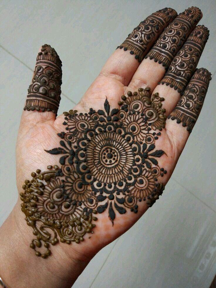 Front Hand Mehndi Latest Design Tikki