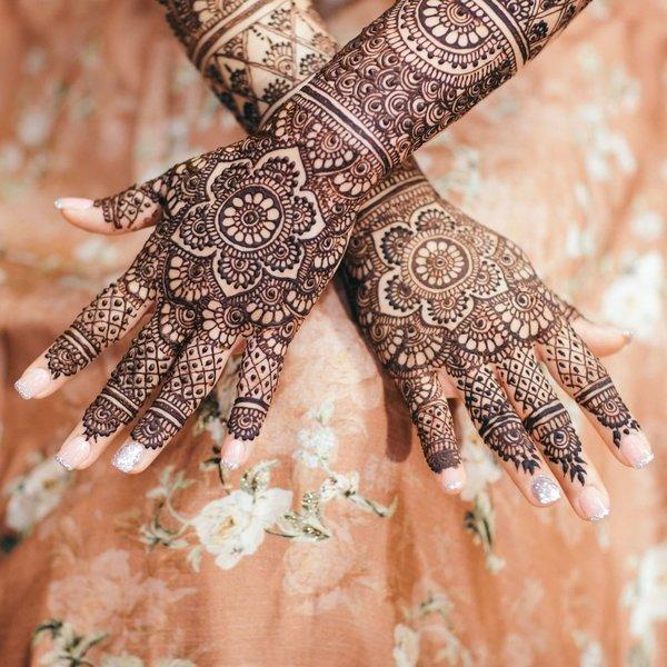 Front Hand Mehndi Unique Design for Bridal