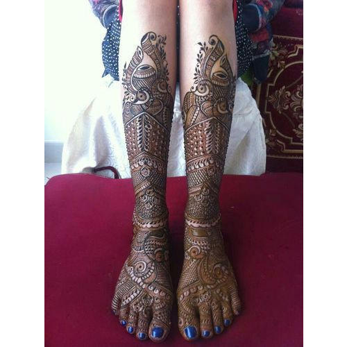 Latest Leg Mehndi Designs For Bride