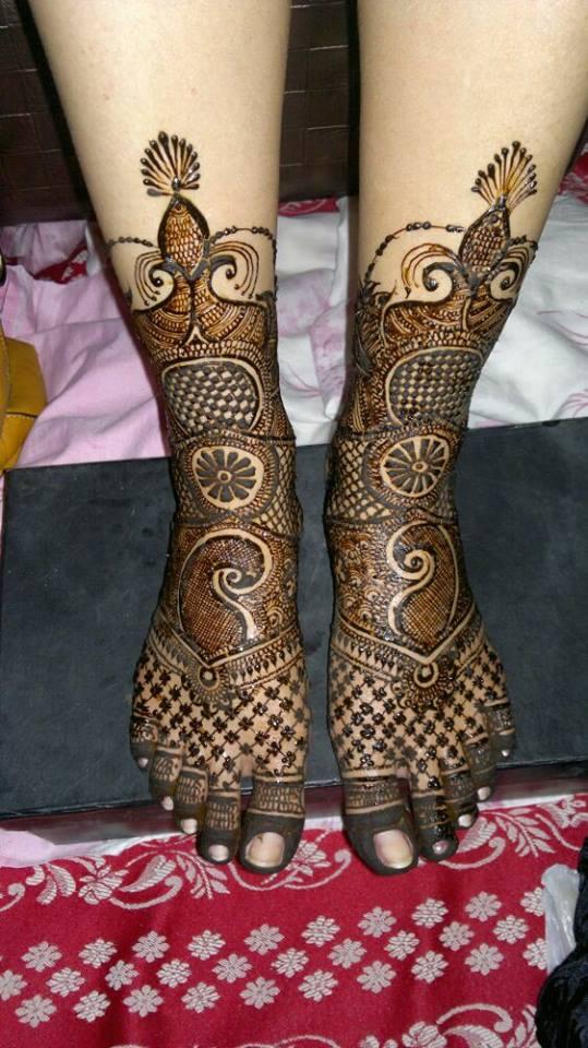 Latest Mehndi Designs For Legs