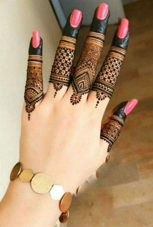 Latest Simple finger mehndi design