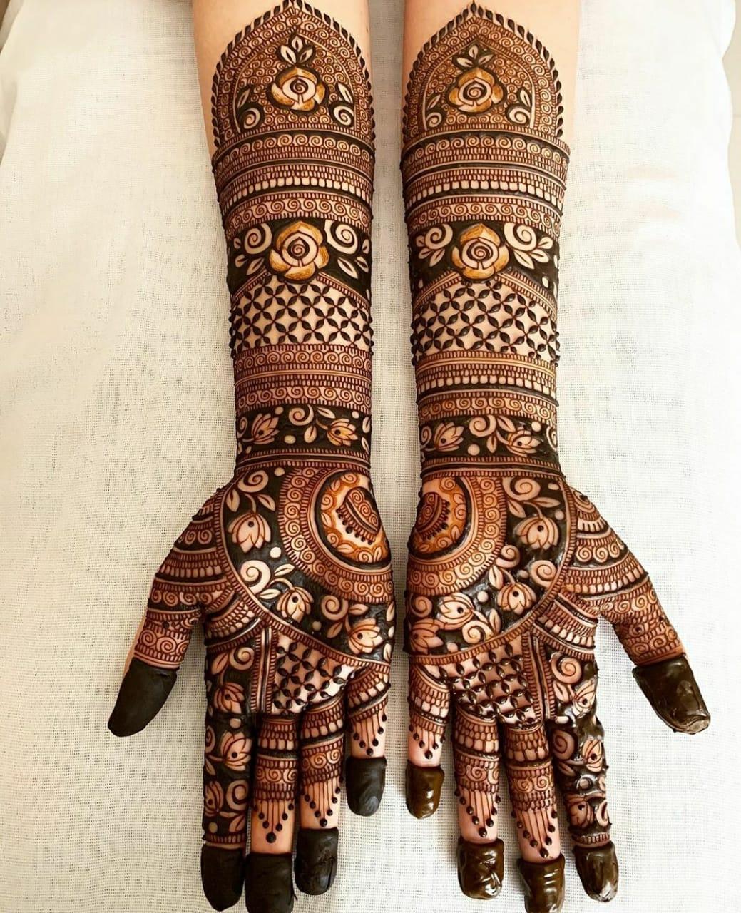 Latest styish rajasthani bridal mehndi design
