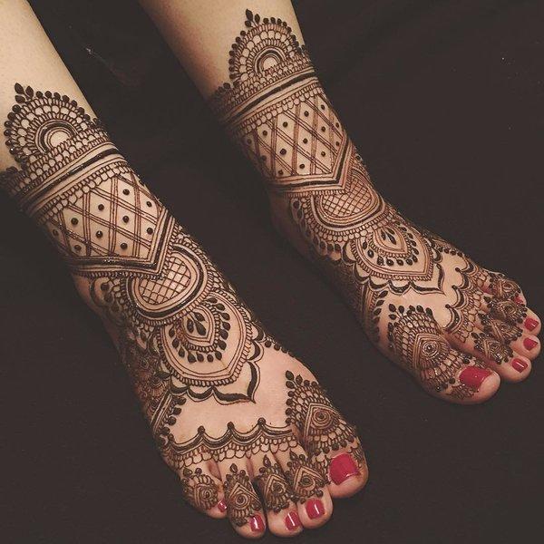 Legs Latest Mehndi Designs