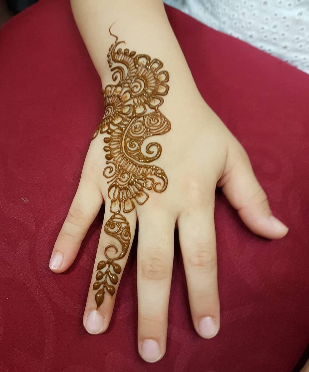Mehndi Designs For kids Front Hand