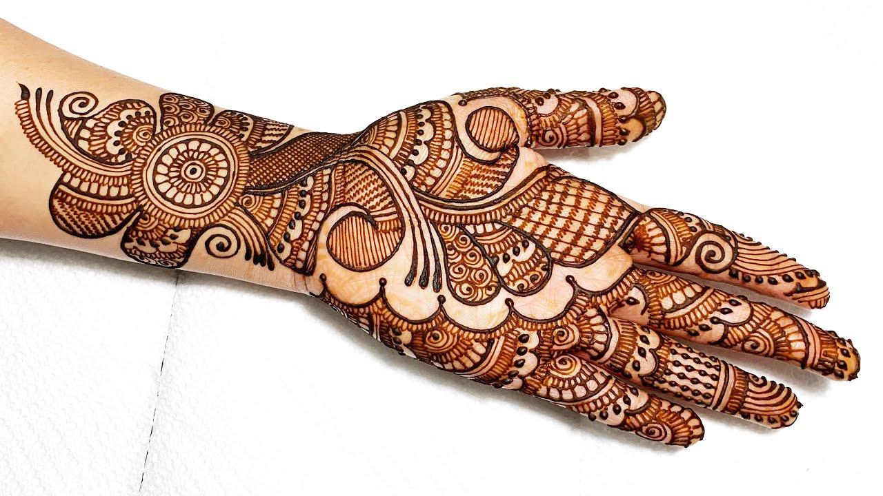 Lovely Rajwadi mehndi design