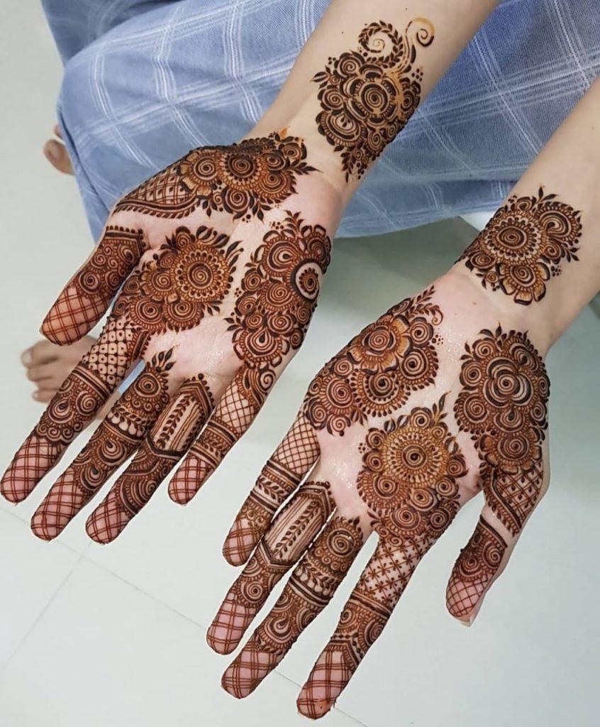 Mehndi Design For Front Hand