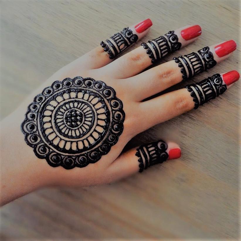 New Mehndi design for finger
