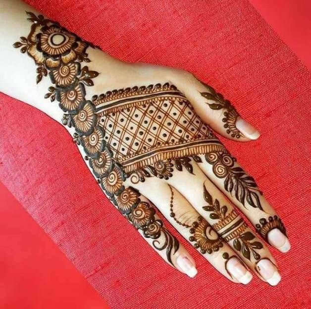 Nice and stylish rajasthani mehndi design