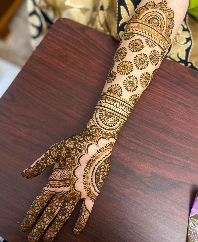 Unique Simple Bridal Mehndi Designs