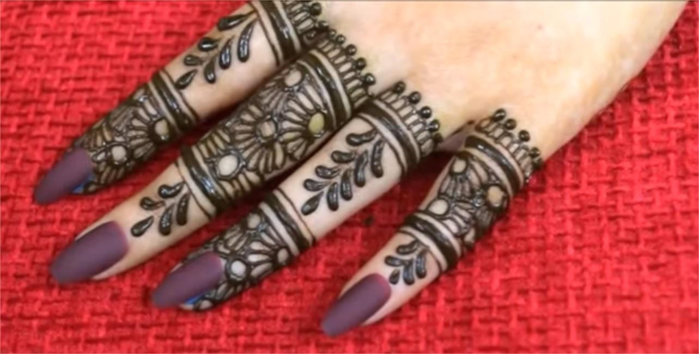 Simple New Style Mehndi For Finger