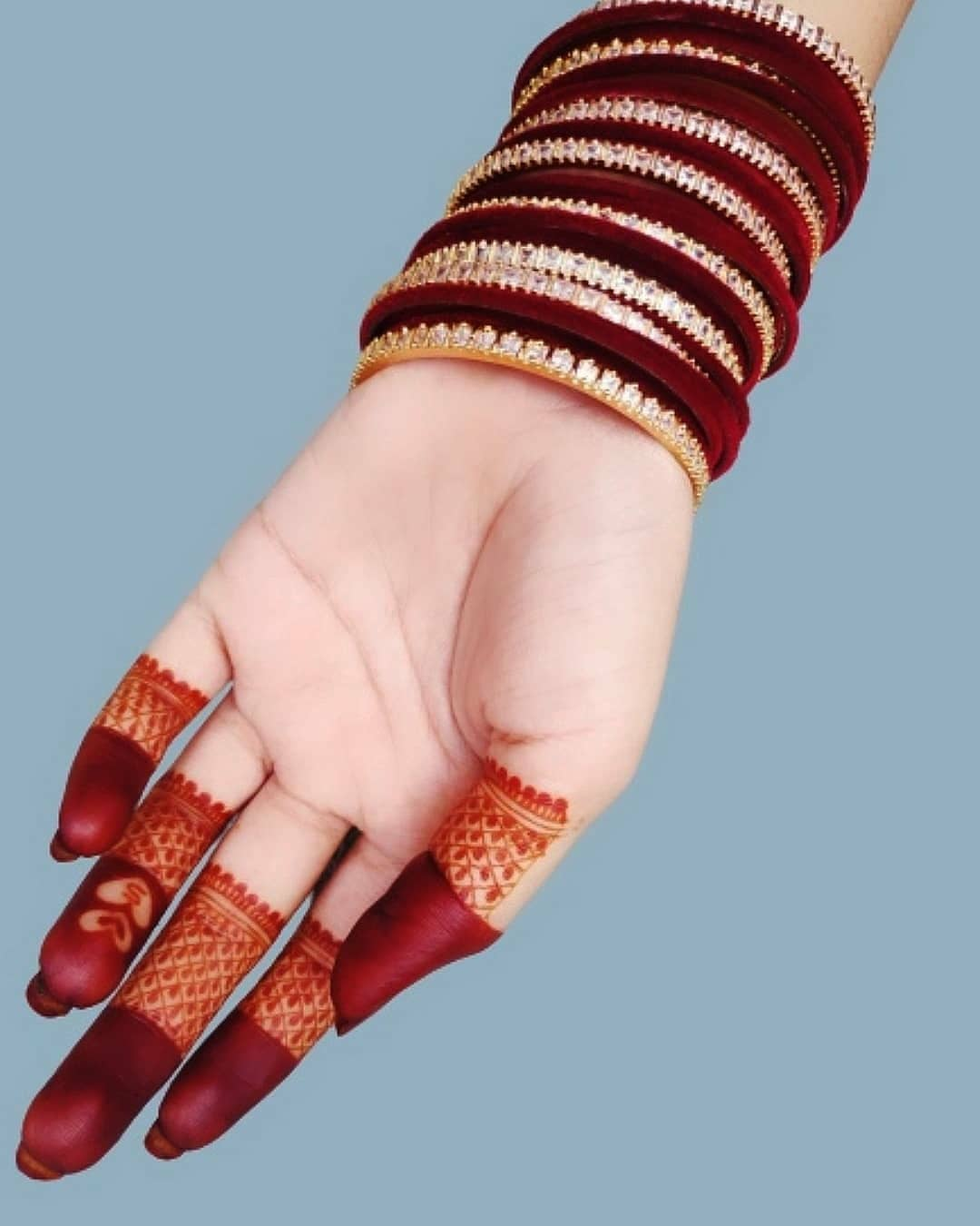 Simple finger mehndi New designs