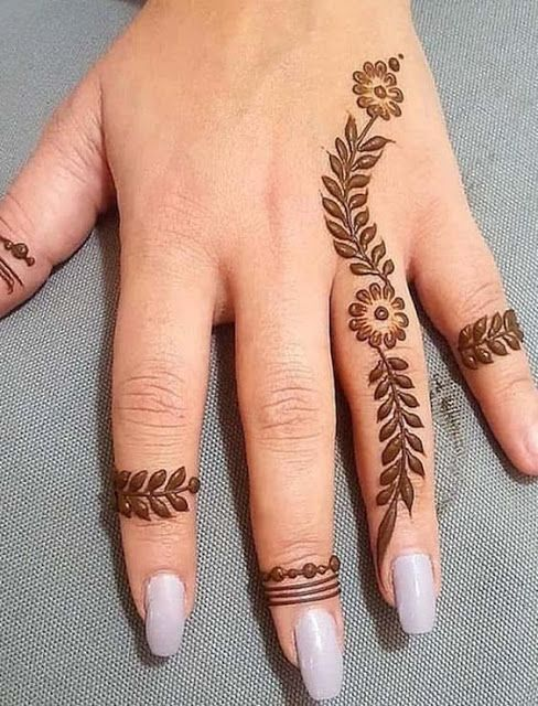 Simple finger mehndi design