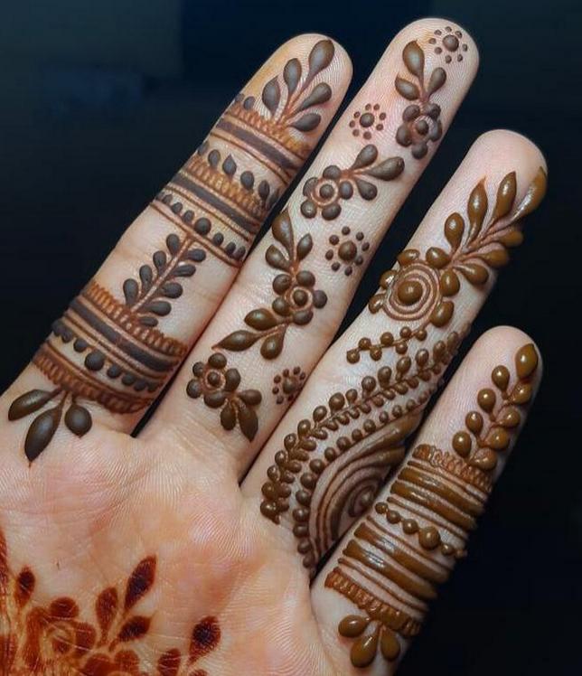 Simple mehndi design For Finger