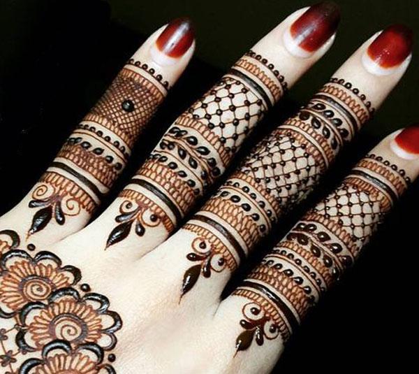 Simple mehndi for finger