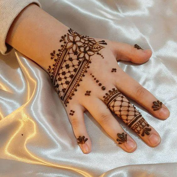 Unique Arabic Mehndi Designs For Kids