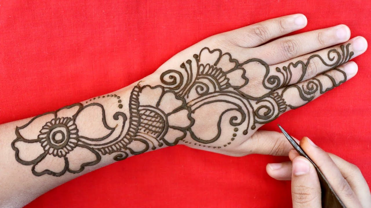 Unique Arabic Mehndi Designs for Backhand