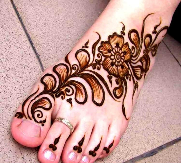 Unique Leg Mehndi Designs For kids