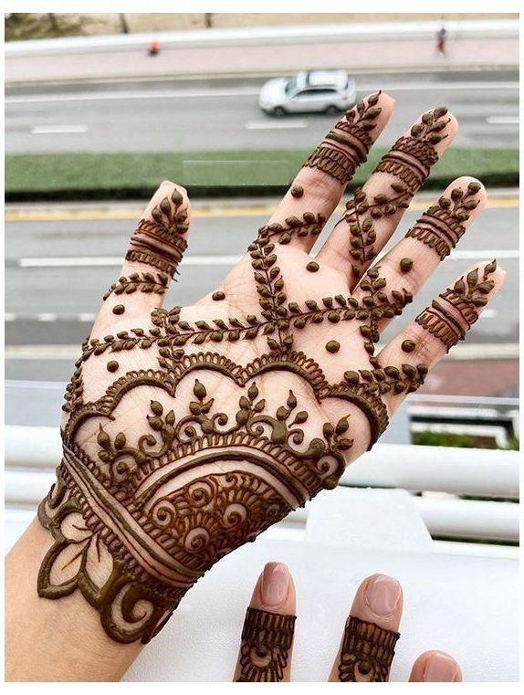 Unique and stylish Marwari Mehndi Design