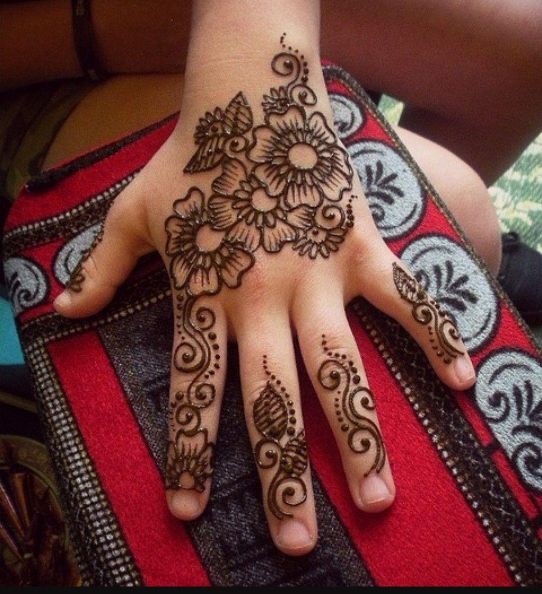 beautiful easy mehndi design