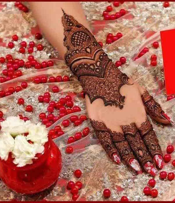 best back hand mehndi design for bridal