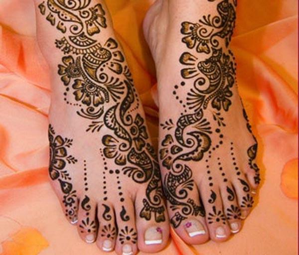 bridal foot mehndi design