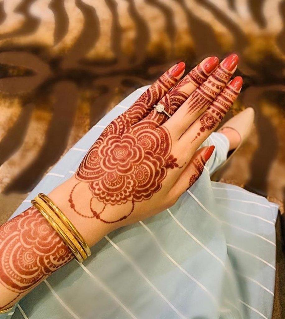 bridal mehndi design back hand