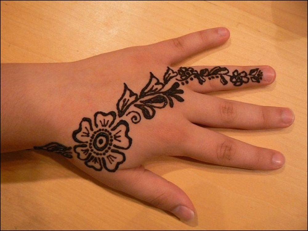 excellent back hand mehndi design for kids